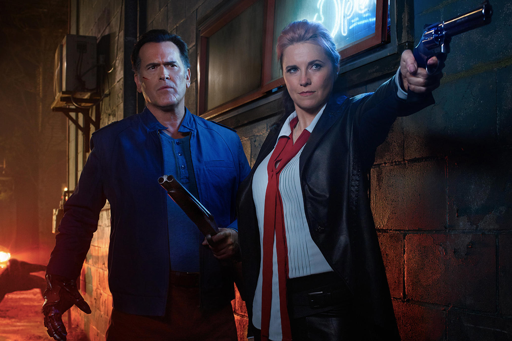 160801-news-ash-vs-evil-dead-bruce-campbell-lucy-lawless